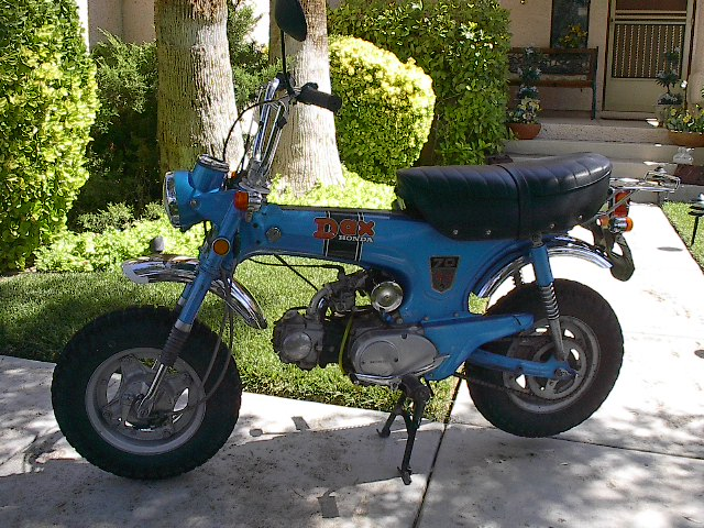 1970_Honda_DAX_ST70_Left_Side.jpg